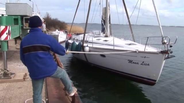 Vorschaubild zu Was ist eigentlich beim Kranen einer Yacht zu beachten?